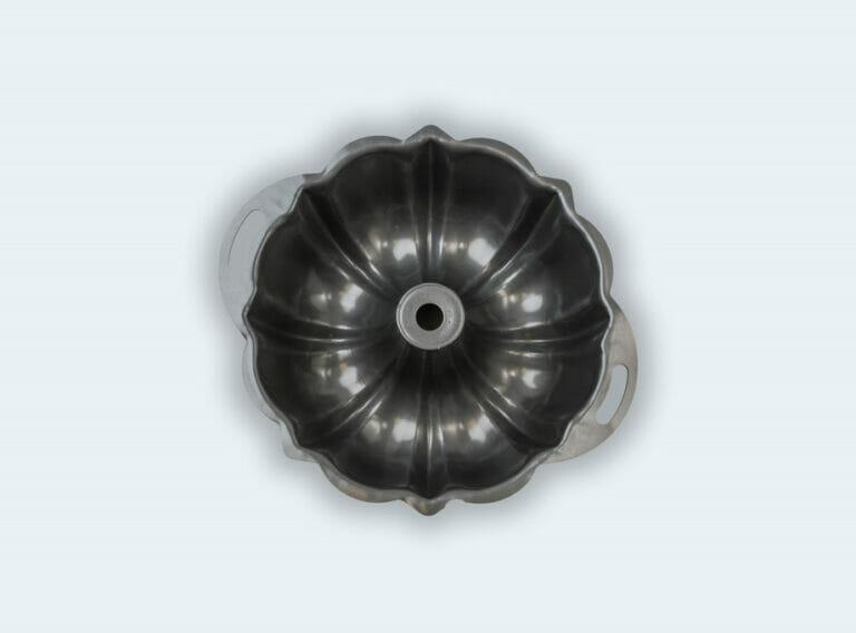 Bundt Pan with Handles